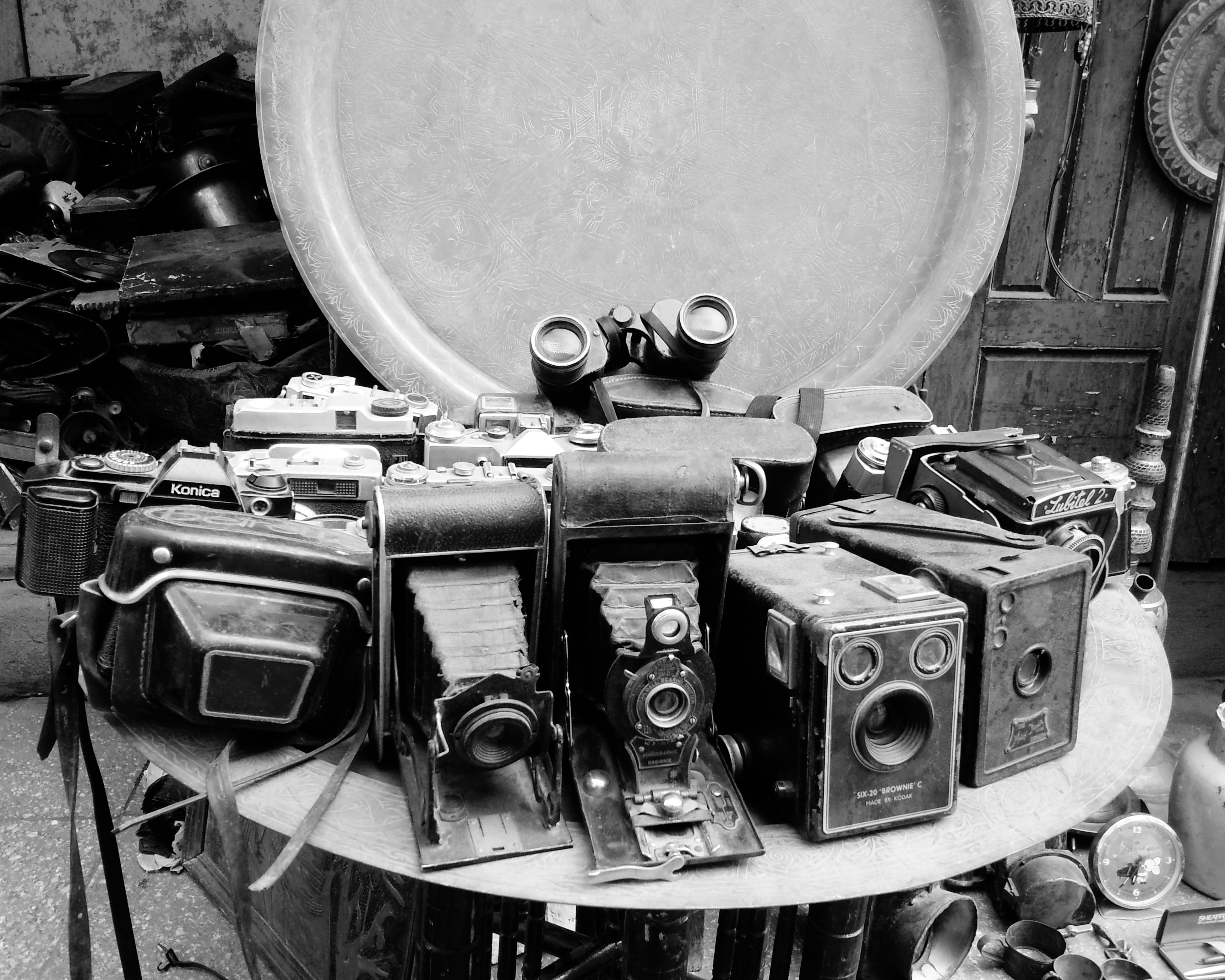 Art Camera Old Camera Close-up No People Cameras Of EyeEm Streetphotography Egypt Black & White Black And White Blackandwhite Photography Old Town Capture The Moment Eyeofphotographer Oldiesbutgoldies Indoors  Old-fashioned Arts Culture And Entertainment No People Day