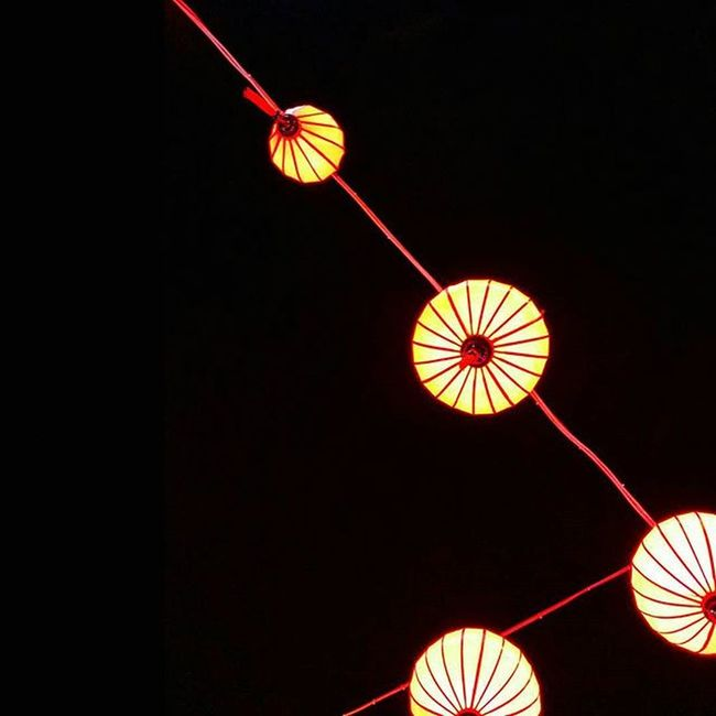 [33] Nha Trang night life. Everydayofsteplife Learnminimalism Lowkey  Stepbacksky