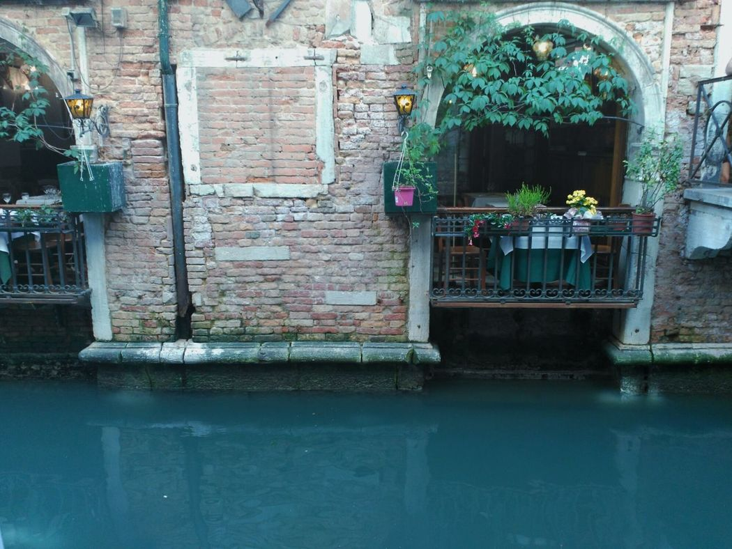 Taking Photos Relaxing Italia Italy Venezia Gondole In Venice Colors Of Spring Gran Canale Canales Agua Water Flowers Balcony Bridge