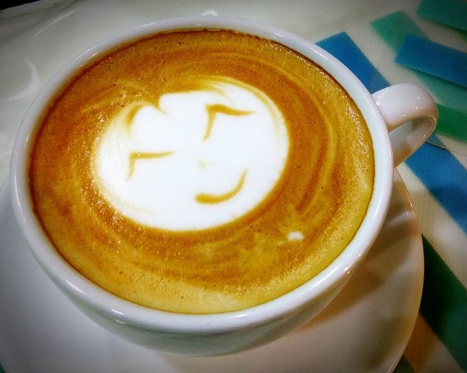 Coffee - Drink Drink Refreshment Coffee Cup Cappuccino Indoors  Latte Close-up No People Frothy Drink Food And Drink Froth Art Table Day Latte Art Smiley Face Caffine