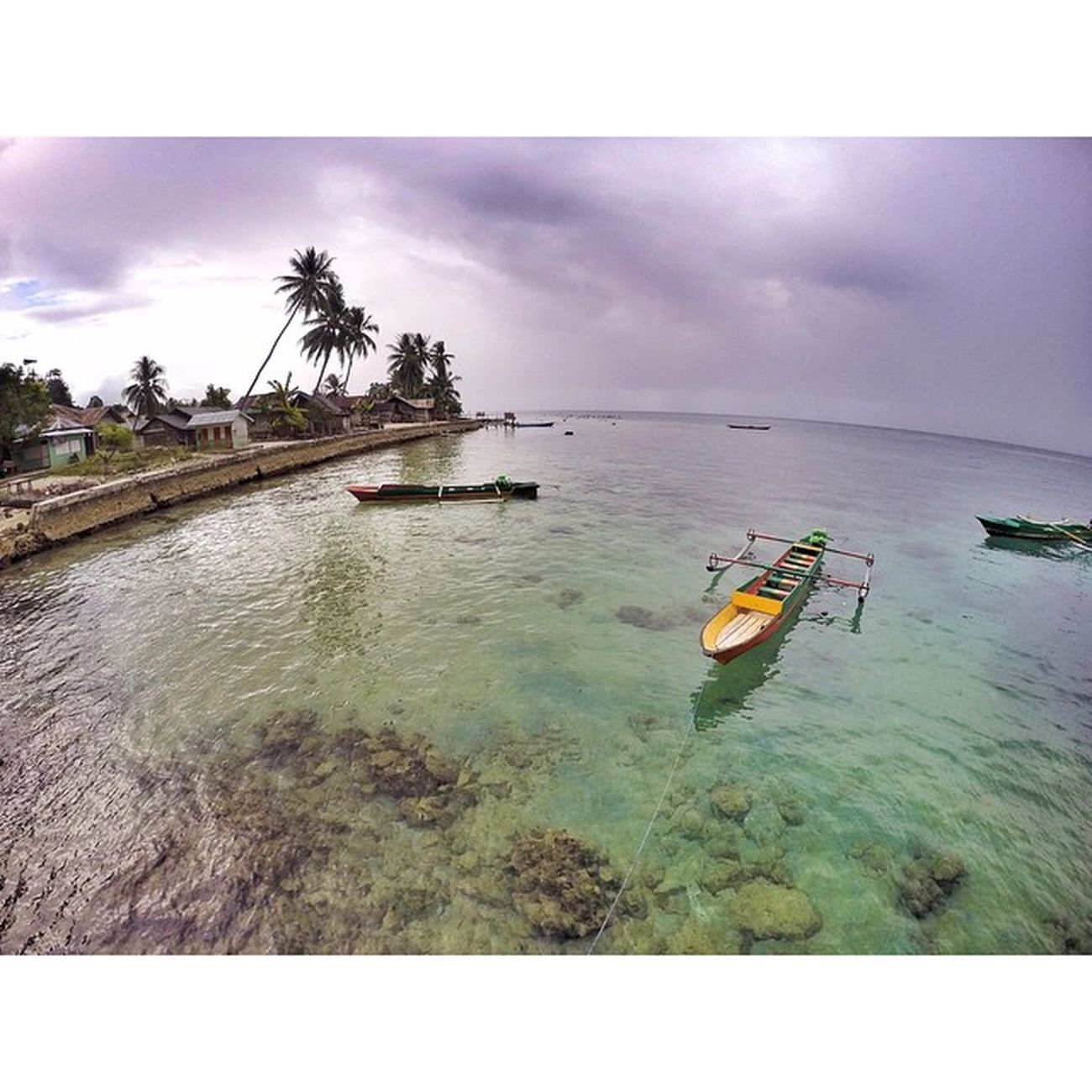 I wish I could turn back the time. A memory will stay forever, not easily being forgotten. Location: Desa Saleman, Pulau Seram - Maluku. Desasaleman Exploreambon IndonesiaKaya Indonesiabanget Indonesiacantik Maluku  Wonderfulindonesia Travelgram Picoftheday Photooftheday Instalike Traveling Travelingindonesia Ocean Beach Sea Scenery Nature