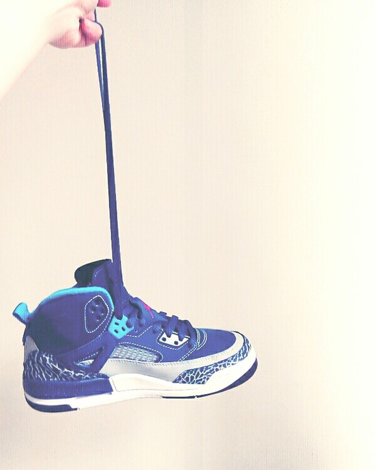 謝謝哥的禮物😚我不會說我不喜歡的哈哈愛你♥HelloEyeEm Jordans Shoes Surprise Gift Wow!! Lolllllll