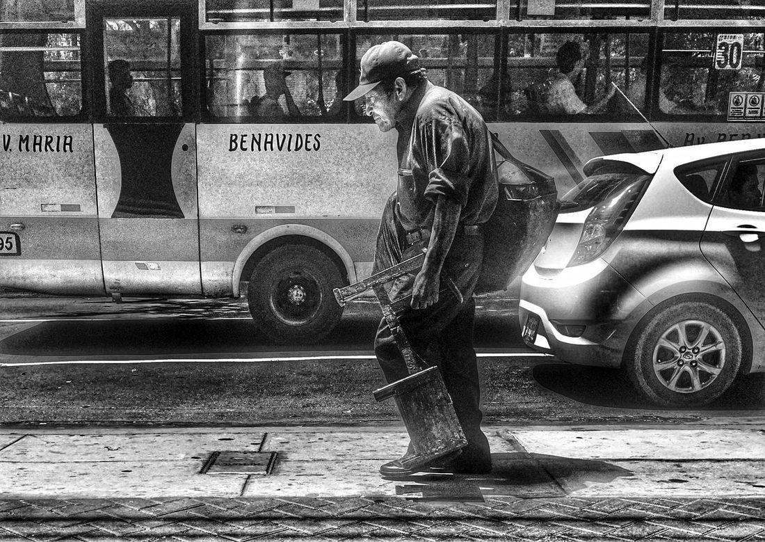 Life goes on Streetphotography Streetphoto_bw Blancoynegro Blackandwhite Hard Hard Life..