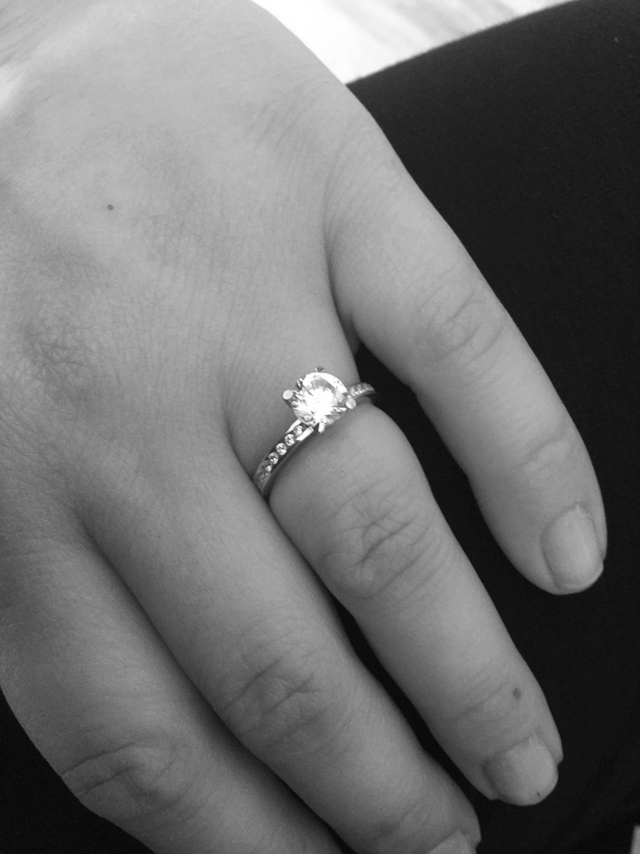 Adult Adults Only Close-up Day Human Body Part Human Finger Human Hand Indoors  Jewelry People Ring Women
