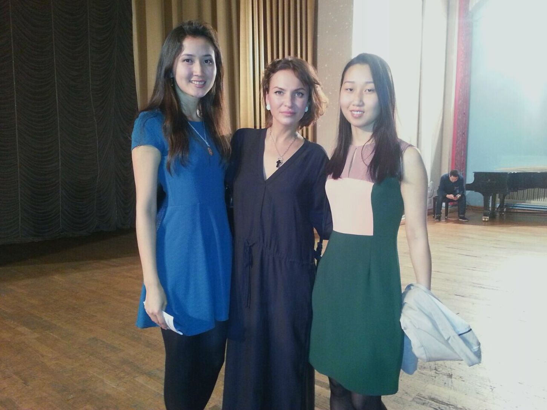 Amazing evening of wonderful poetess Ah Astahova.(in the middle)