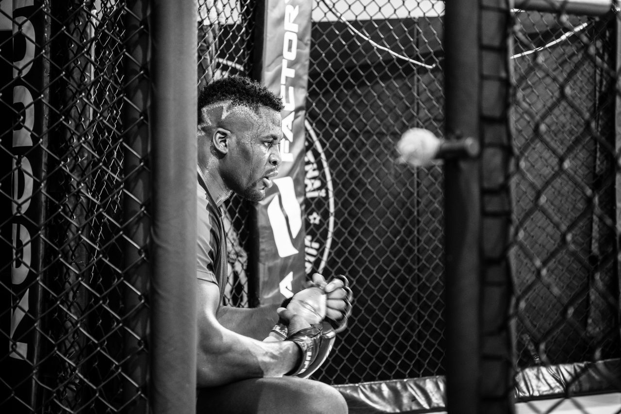 The PREDATOR. Francis N'GANNOU UFC heavyweight champion left the door of the cage opened. Who's next? MMA UFC Heavyweight Mixed Martial Arts Boxing Athelete Fitness Workout Wellness Predator Cameroon Portrait Streetphotography Champion Blackandwhite Pride Fight Fighter Dedication Focused MMA Factory Reebok Uniqueness The Photojournalist - 2017 EyeEm Awards