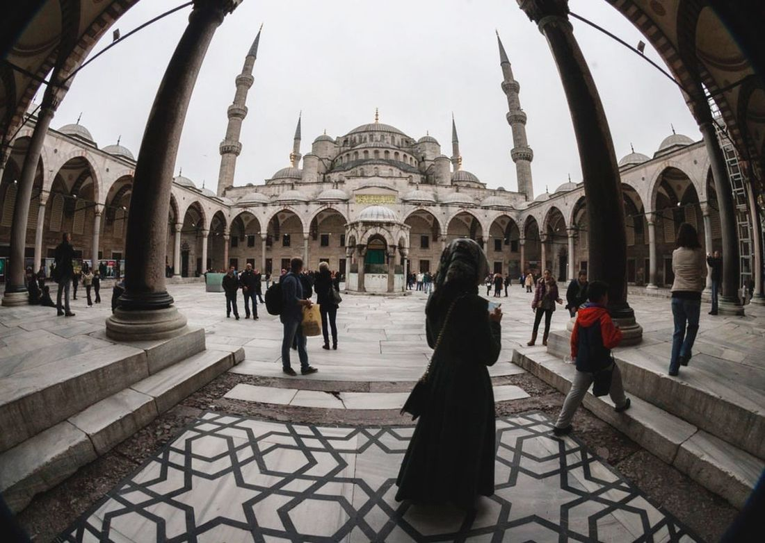 The Street Photographer - 2016 EyeEm Awards Blue Mosque ~ one contry, two continents Turkey Istambul People Fisheye The Week Of Eyeem ArtWork PersonalProject EyeEm Gallery Society Arabic Fresh On Eyeem  Street Photography Composition Somosdeluzysombras Ana_maisonave Bluemosque The Great Outdoors - 2016 EyeEm Awards The Street Photographer - 2017 EyeEm Awards
