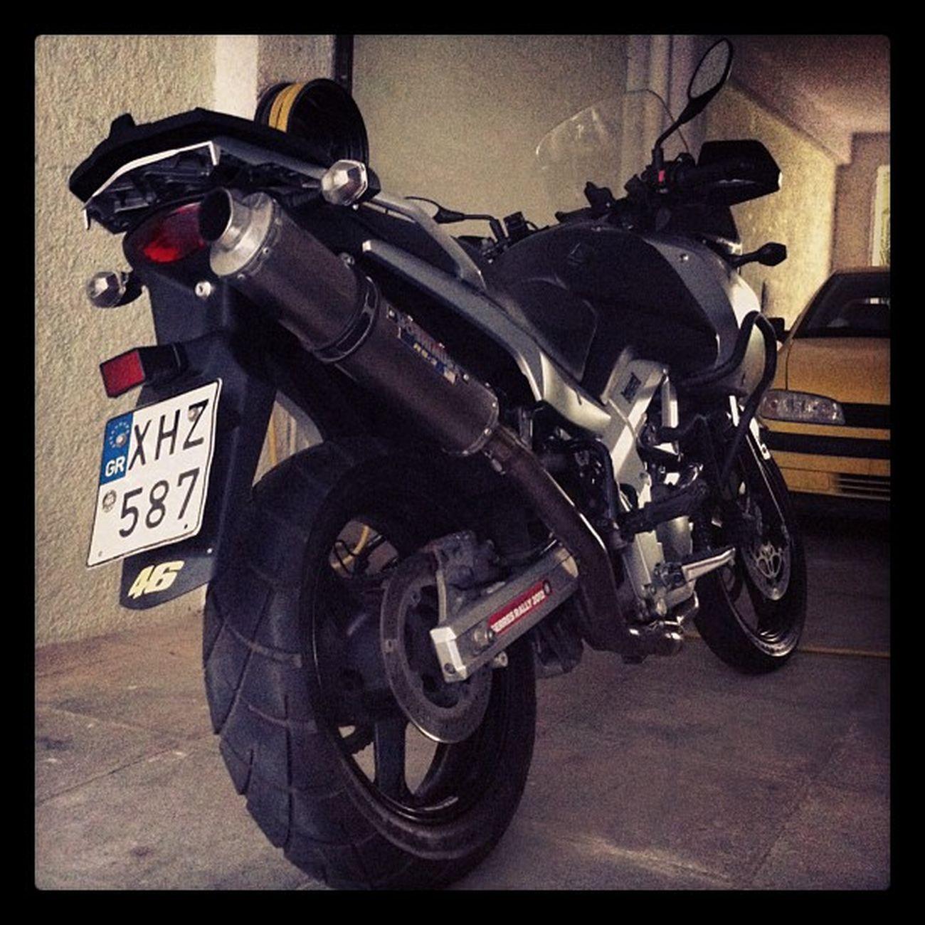 Another pic of my veeeee Suzuki Moto VStrom Dl650