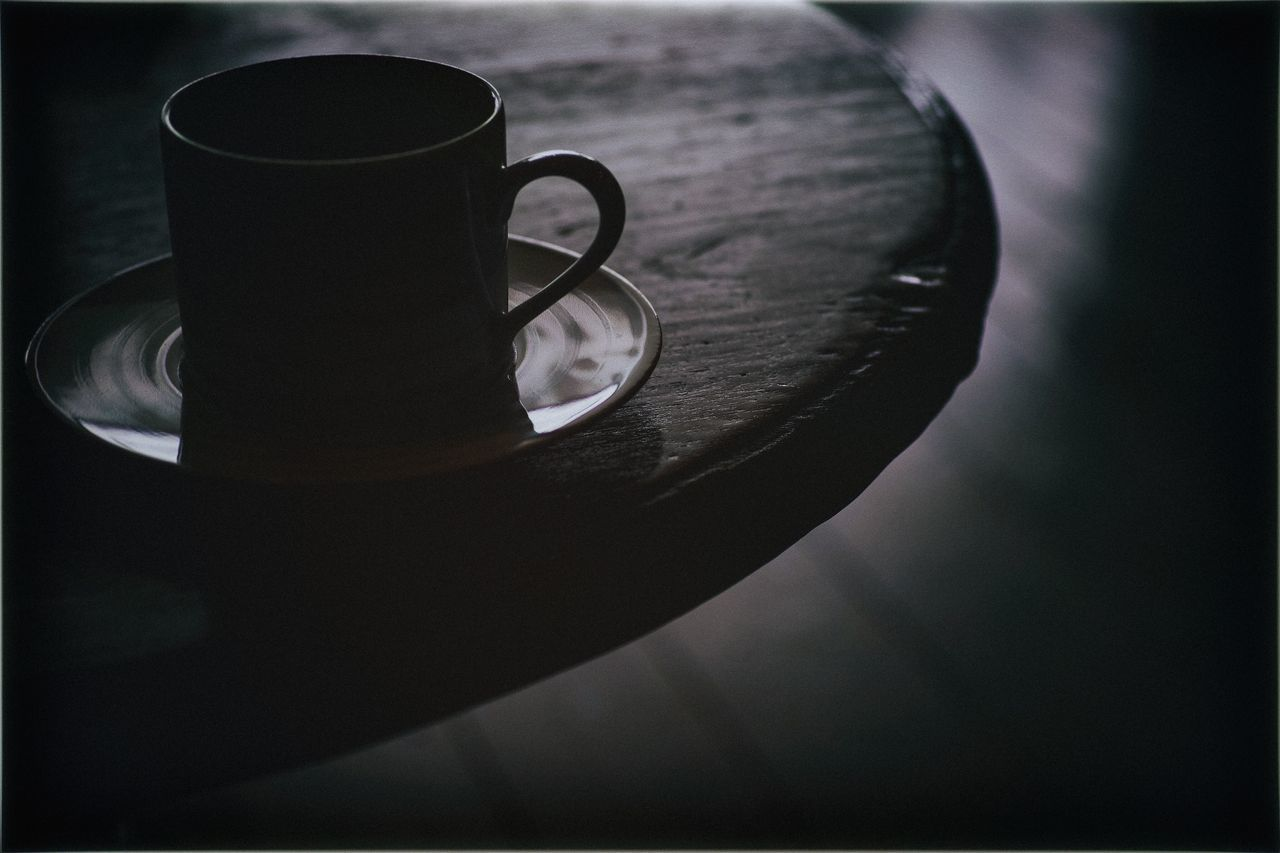 coffee cup, coffee - drink, table, cup, drink, refreshment, indoors, food and drink, no people, close-up, saucer, freshness, day, mocha