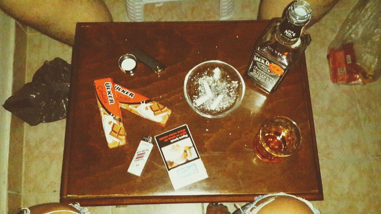 Jackdaniels Jackamca Babe Goodnight Good Times Imokay Hello World Alcohol Vine Vine 🍷 JB Tekila Lemon Smoking Drinking Beer Drinking Beer şarap şarap