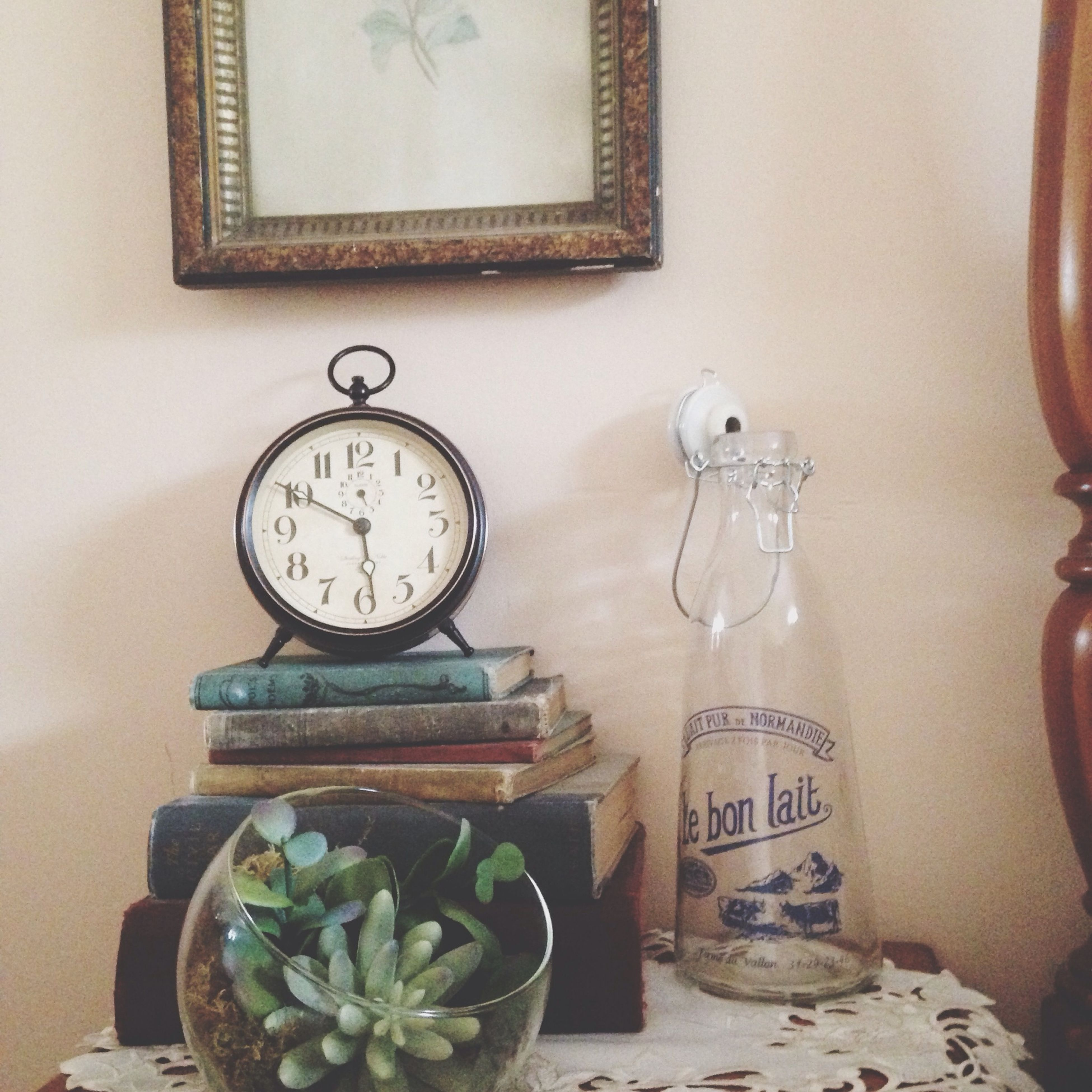 indoors, clock, time, table, communication, old-fashioned, still life, retro styled, antique, text, number, home interior, technology, wall - building feature, no people, close-up, old, wood - material, clock face, accuracy