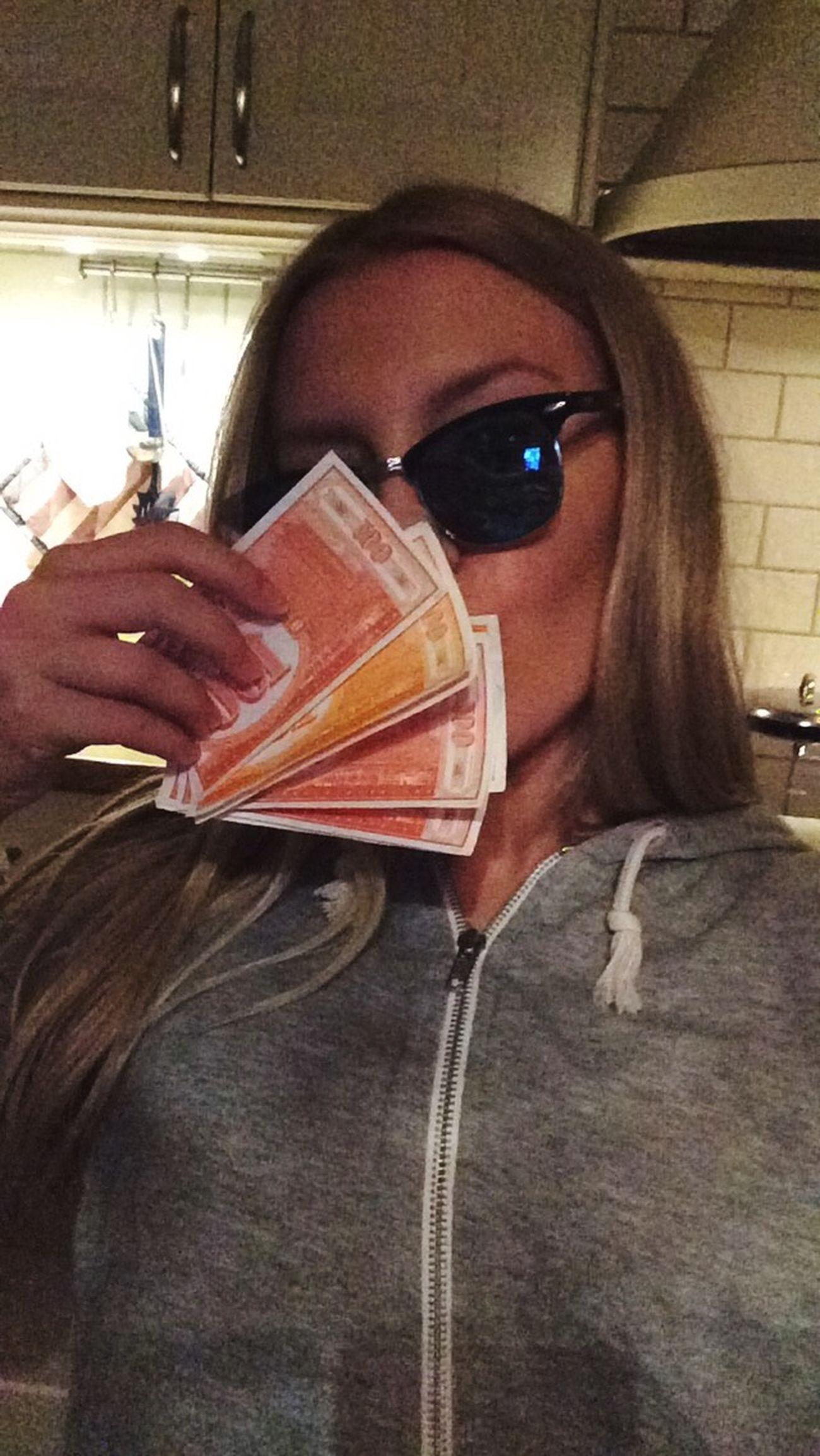 Ikväll piskade jag motståndet i monopol Eller Konkasomfan Segt