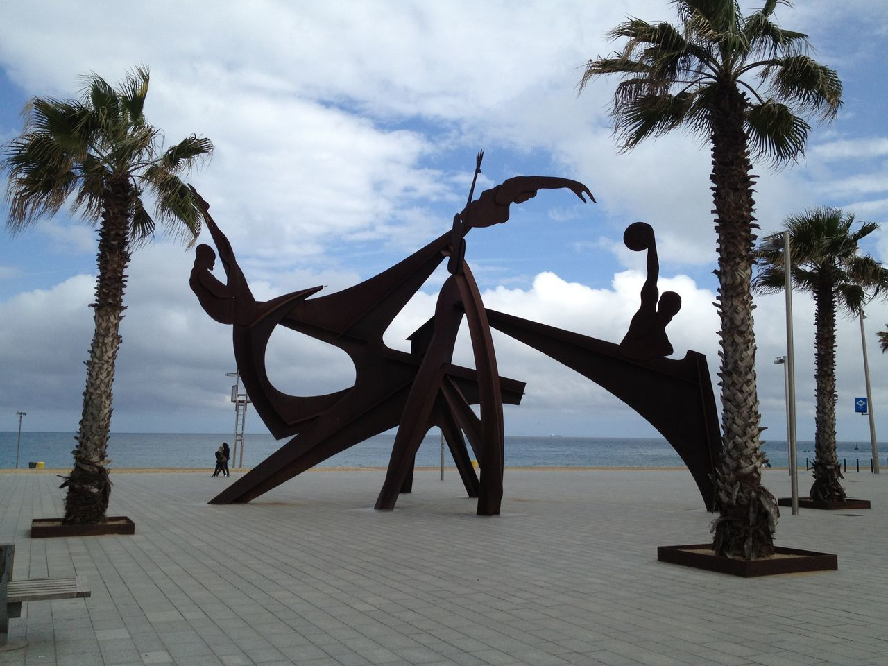 BARCELONA PORT Beach Cloud - Sky Cubism Cubismo Day Horizon Over Water Modern Street Ar Nature No People Outdoor Art Outdoor Photography Outdoors Palm Tree Pavement Sand Sculpture Sea Seaside Art Sculpture Sky Street Street Art Tree Vacations Water
