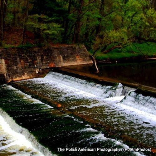 The original photo Brookpark Ohio Clevelandmetroparks LagoonPicnicArea Waterfall Waterfalls Westside WesternCuyahogaCounty CuyahogaCounty TheBuckeyeState TheGreatOutdoors Nature Water Waterscape