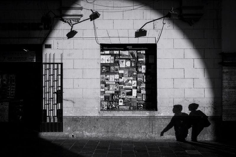 shadow love Shadows On The Wall Streetphotography Monochrome