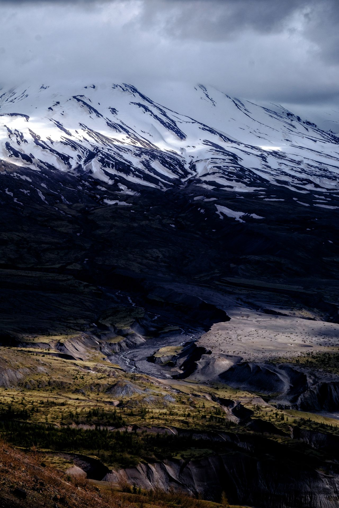 Caldera Nature Beauty In Nature Snow Cold Temperature Cloud - Sky No People Winter Scenics Mountain Outdoors Sky Day Tranquility Mt St Helens Volcanic Landscape Power In Nature Volcano Tranquil Scene Travel Destinations Moody The Great Outdoors - 2017 EyeEm Awards Shadows