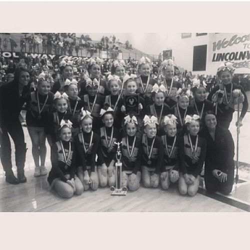 couldnt ask for a better team, first place and grand champs I love guys Homercheerordie Hcwku Hamily