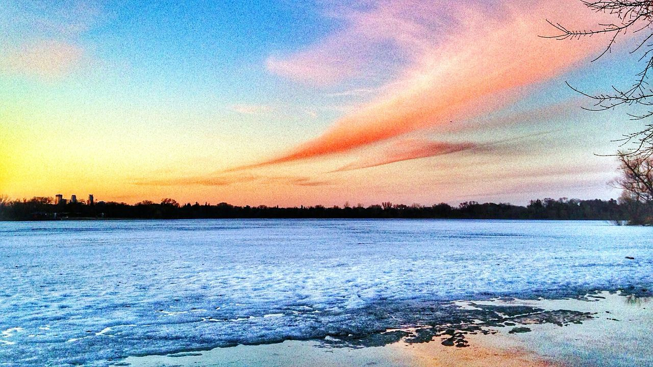 City Of Lakes Minneapolis Lake Nokomis Sunset Sunset Landscape Amazing Sunset Sky And Clouds Urban Photography Urban Landscape Early Morning Blues