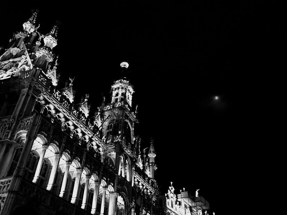 So scarry ! Brussels Castle Blackandwhite Monochrome B&w EyeEm Best Shots Finding New Frontiers