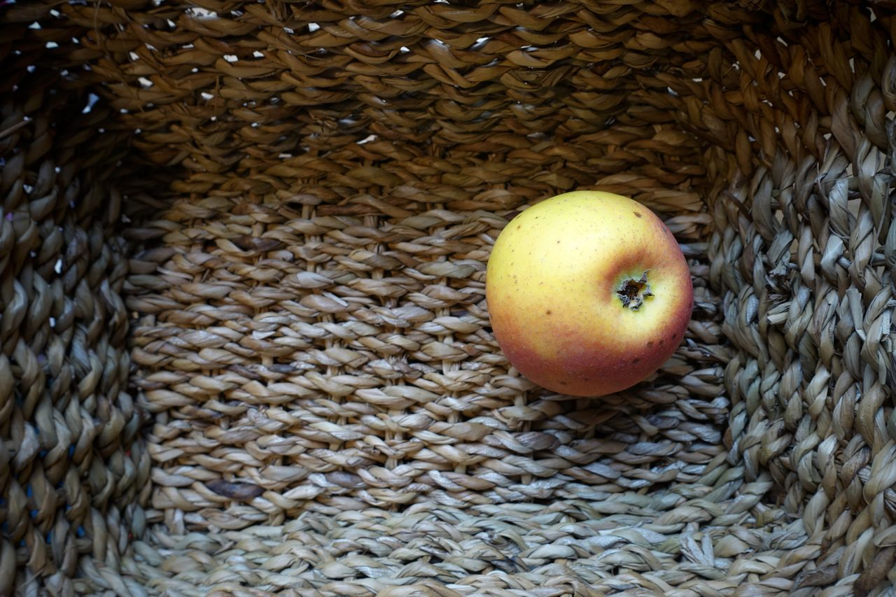 An Apple A Day ... 😀 Apple Basket Nature Vitamins Healthy Eating Healthy Food Healthy Living Beautiful Nature Lonely Objects Beautifully Organized Full Frame Indoors  No People Food Close-up Freshness Day Healthy Fruits