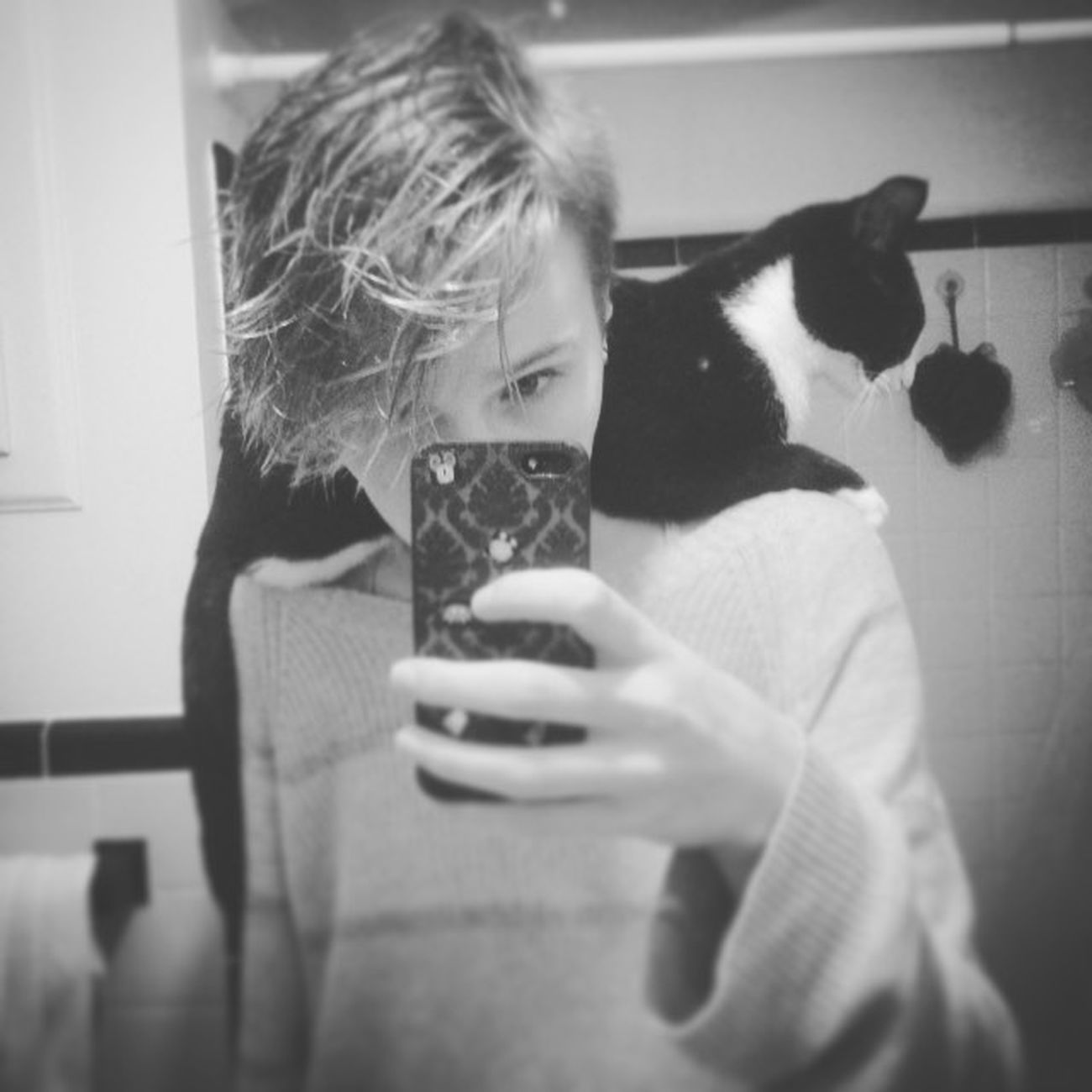 Won't you be my sidekick? Sidekick Superhero Cat Kitty Mysidekick Wontyoubemysidekick Ilovecat Ilovemycat Catsofinstagram Petsofinstagram Blackandwhite Monochrome Cats Alywashere