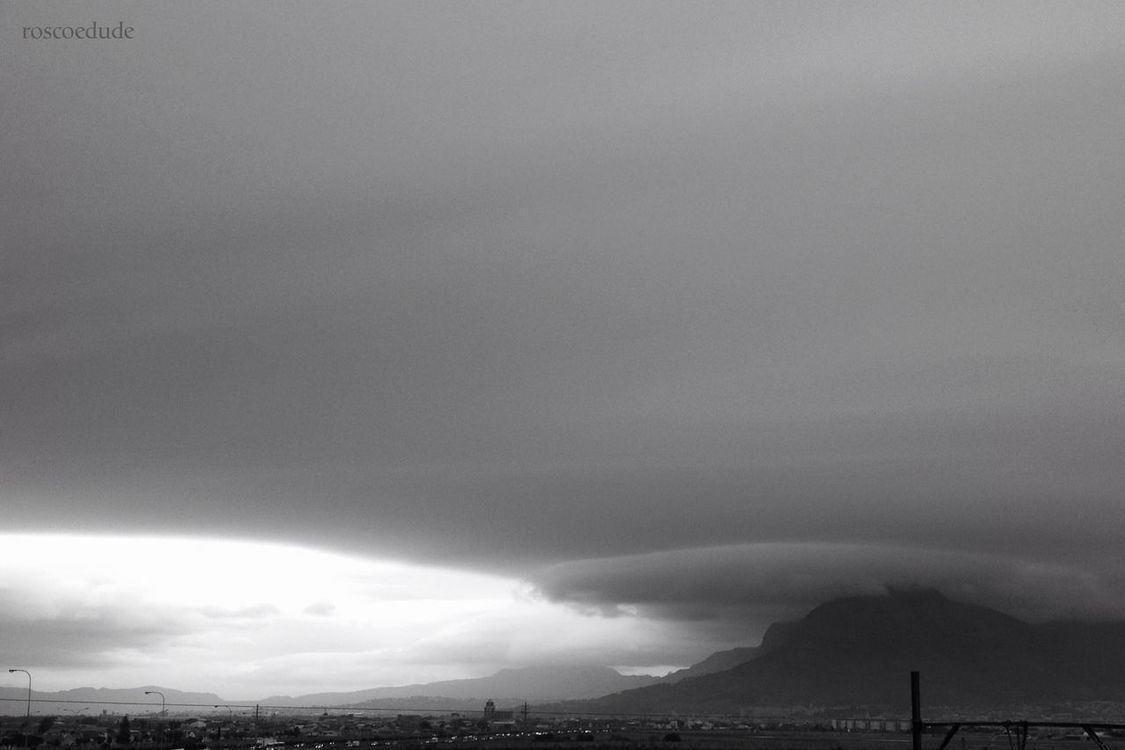 clouds and sky in Cape Town by Ross (roscoedude)