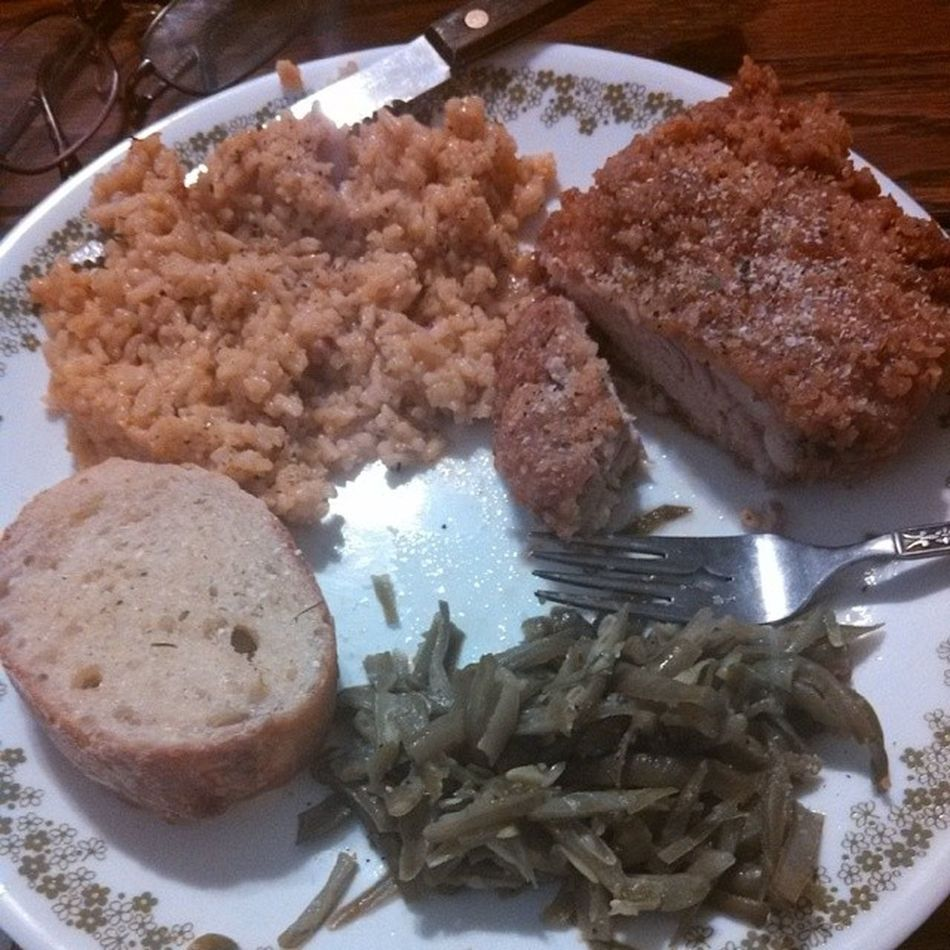 Double dipped fried chicken with Mexican rice and string beans. Fatasstime Instafood Comfortfood Thanksbabe @4louie2bagg0