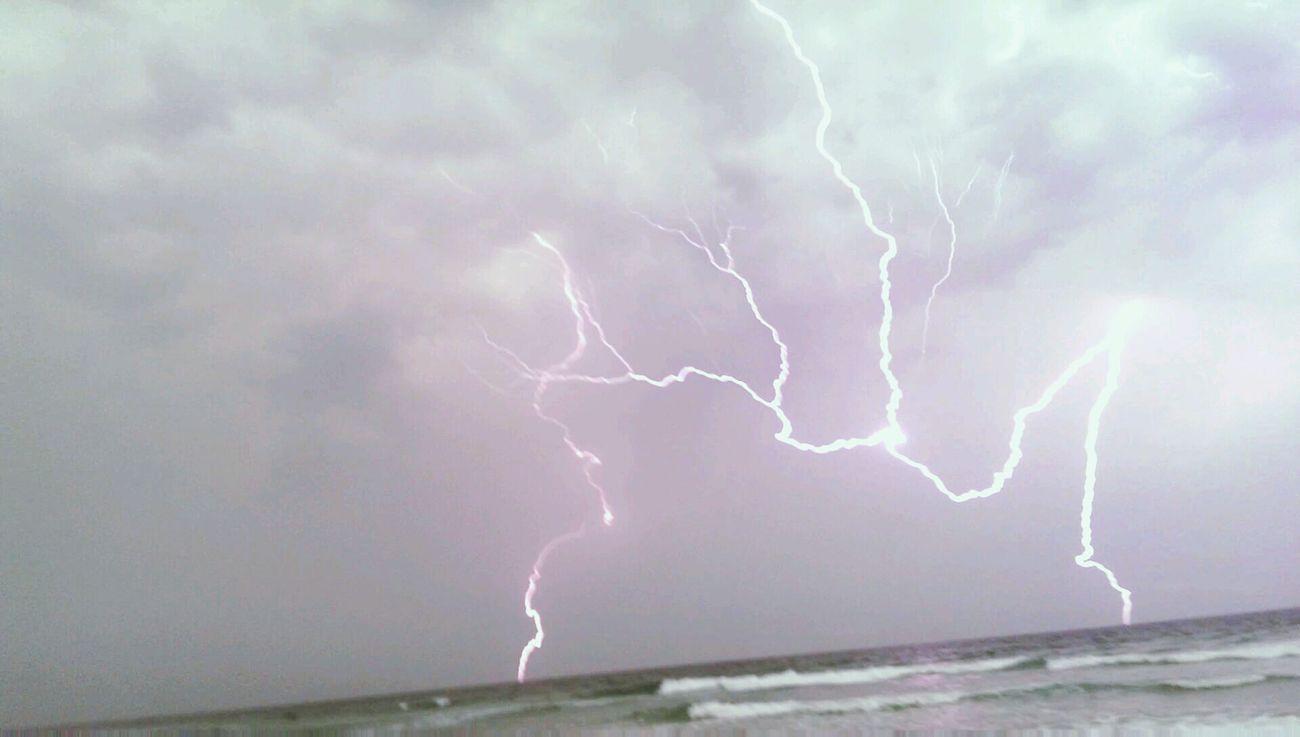 Thunderstruck Lightning