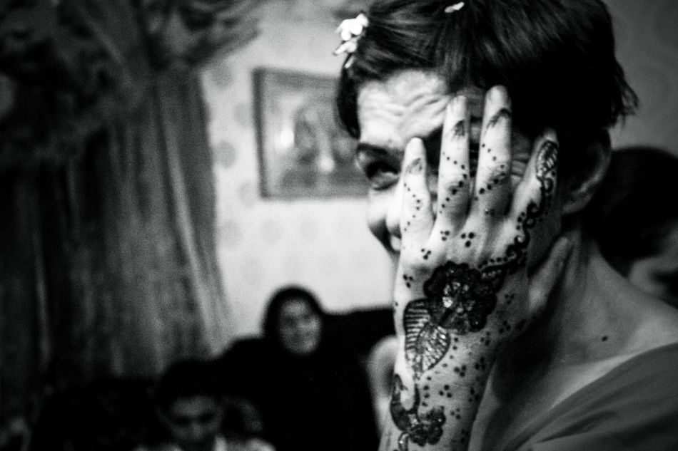 Battle Of Algiers. Series 2012 Algeria Analogue Photography Arab Arabian Arabic Arabic Style Black And White Blackandwhite Culture And Tradition Henna Henna Tattoo Marseille Muslim Noir Et Blanc Photojournalism Portrait Portrait Of A Woman Portrait Photography PortraitPhotography Portraits Reportage Reportagephotography Tattoo Traditional Culture Wedding Photography EyeEm Diversity EyeEm Diversity