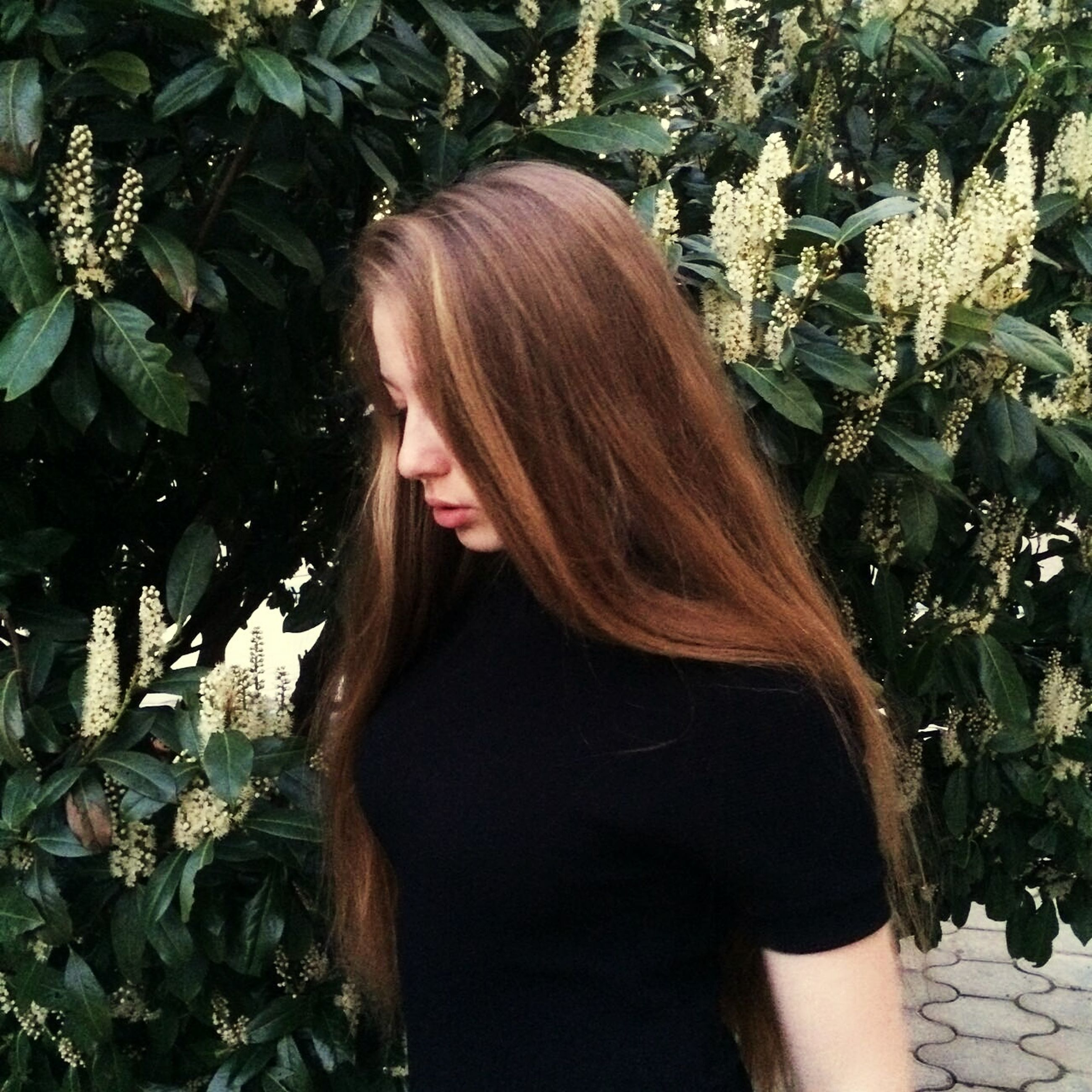 real people, young adult, young women, one person, long hair, standing, lifestyles, outdoors, beautiful woman, day, nature, plant, tree, women, people