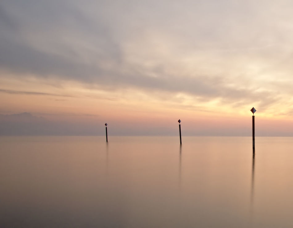 LINE Simple Horizon Over Water Horizon Langzeitaufnahme Long Exposure Lines No People Outdoors Minimalism Lake Constance Friedrichshafen Bodensee Warm Colors Warm Light Sunset Beauty In Nature Sea Nature Peace Sunset_collection Simplicity