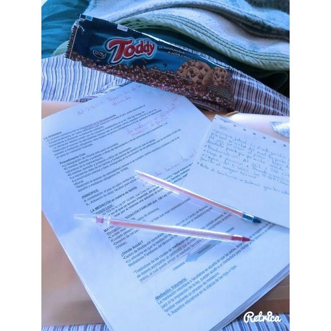 Quiero vacaciones! Chile Derecho Uct Temuco studying quierovacaciones toddy comida red blue