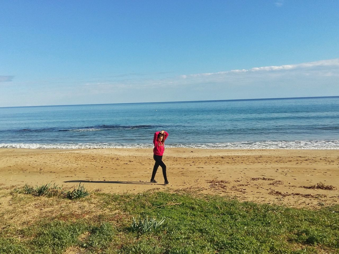 Sea Full Length Beach Horizon Over Water Rear View One Person Healthy Lifestyle Outdoors Sky People Water Real People Day Nature One Woman Only Only Women Beauty In Nature Adults Only Self Improvement Adult