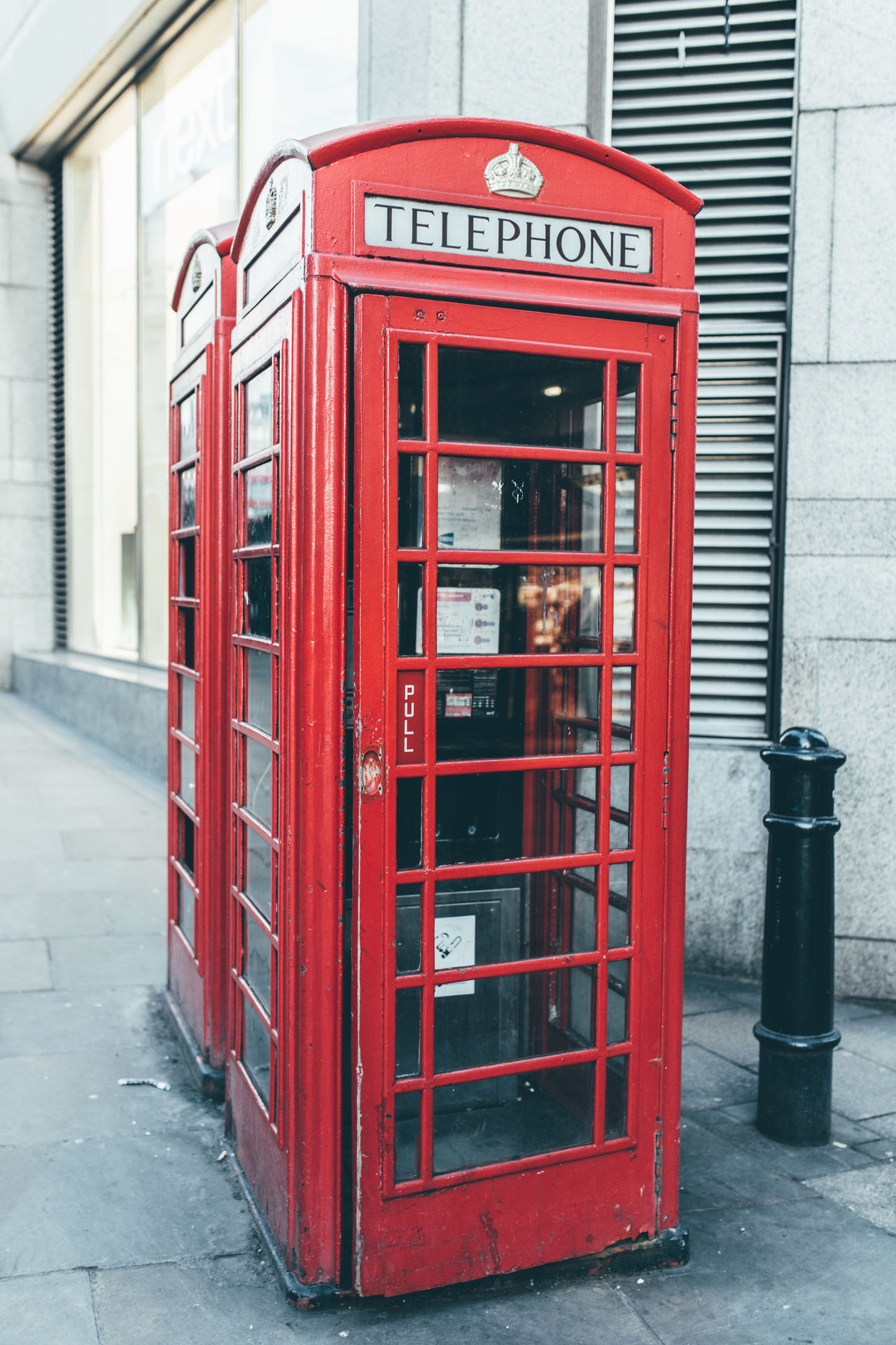 Built Structure Communication Connection London London Lifestyle London Phone Box London Style  London Trip London_only Londonlife No People Outdoors Pay Phone Red Red Red Phone Red Phone Booth Red Phone Box Red Phone Boxes Technology Telecommunications Equipment Telephone Telephone Booth Telephone Box Travel London