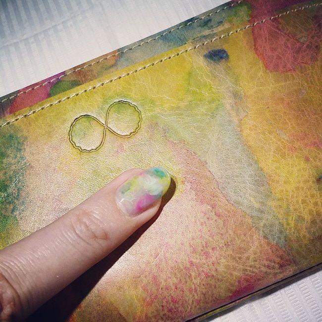 新しい財布が嬉しすぎて爪もお揃いにIeyes ジェルネイル