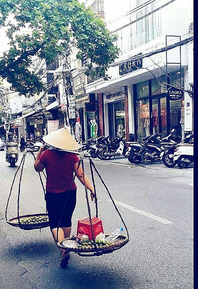 Limes Non La Vendor Making A Living Hanoi Vietnam Travelphotography Streetphotography