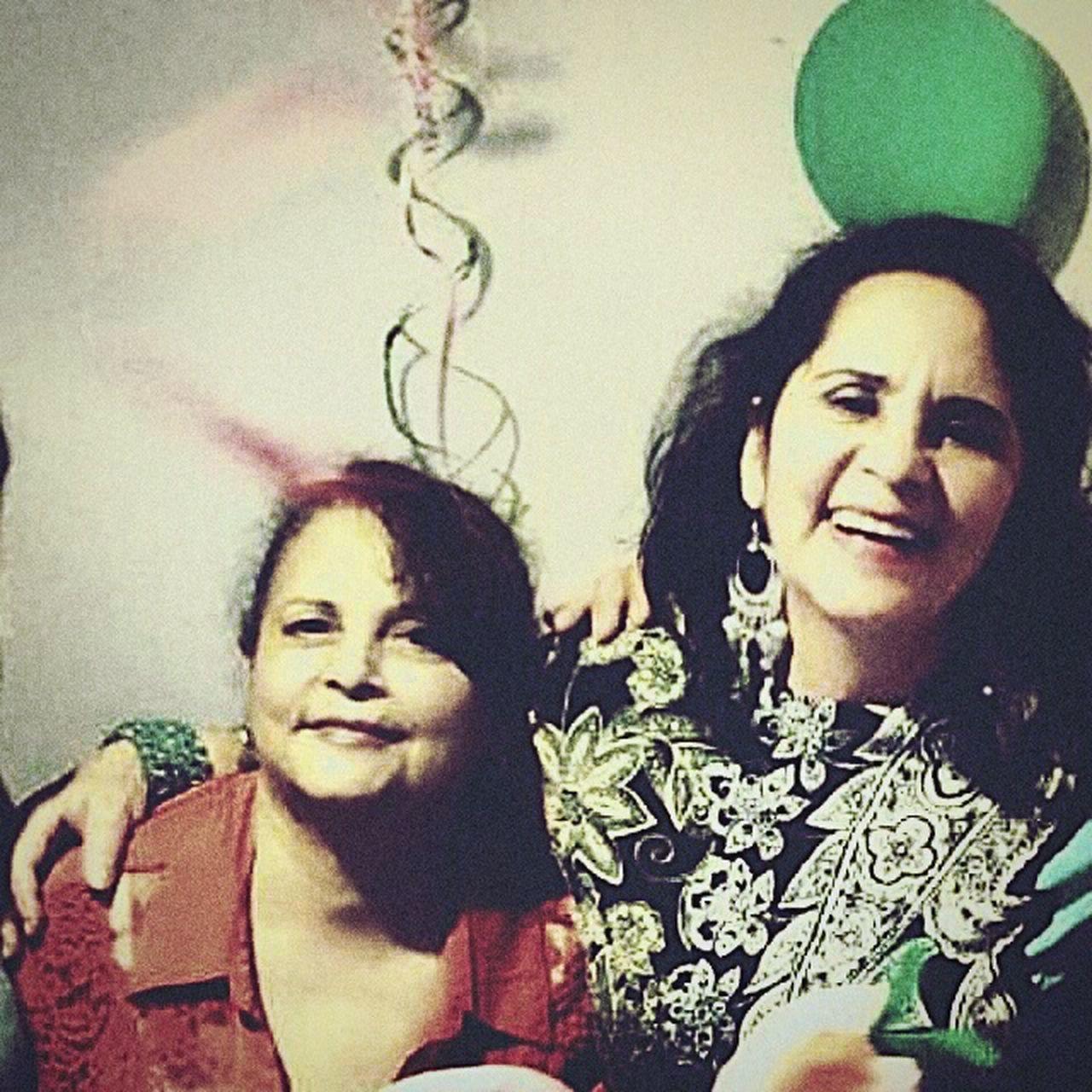 Cumpleaños Hermanas Felicidad