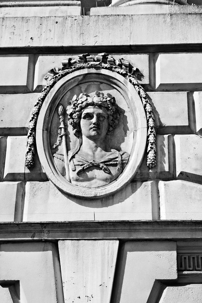 Beautiful Stonework Courtauld Institute Historical Building River Thames Somerset House  Statue The Strand