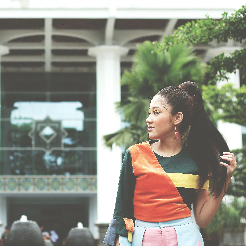 Event : @bandunglautanphotographer 2017 Long Hair Beauty Young Women Palm Tree City Building Exterior Day Outdoors Blp2107 Beautiful Woman Portrait Lifestyles