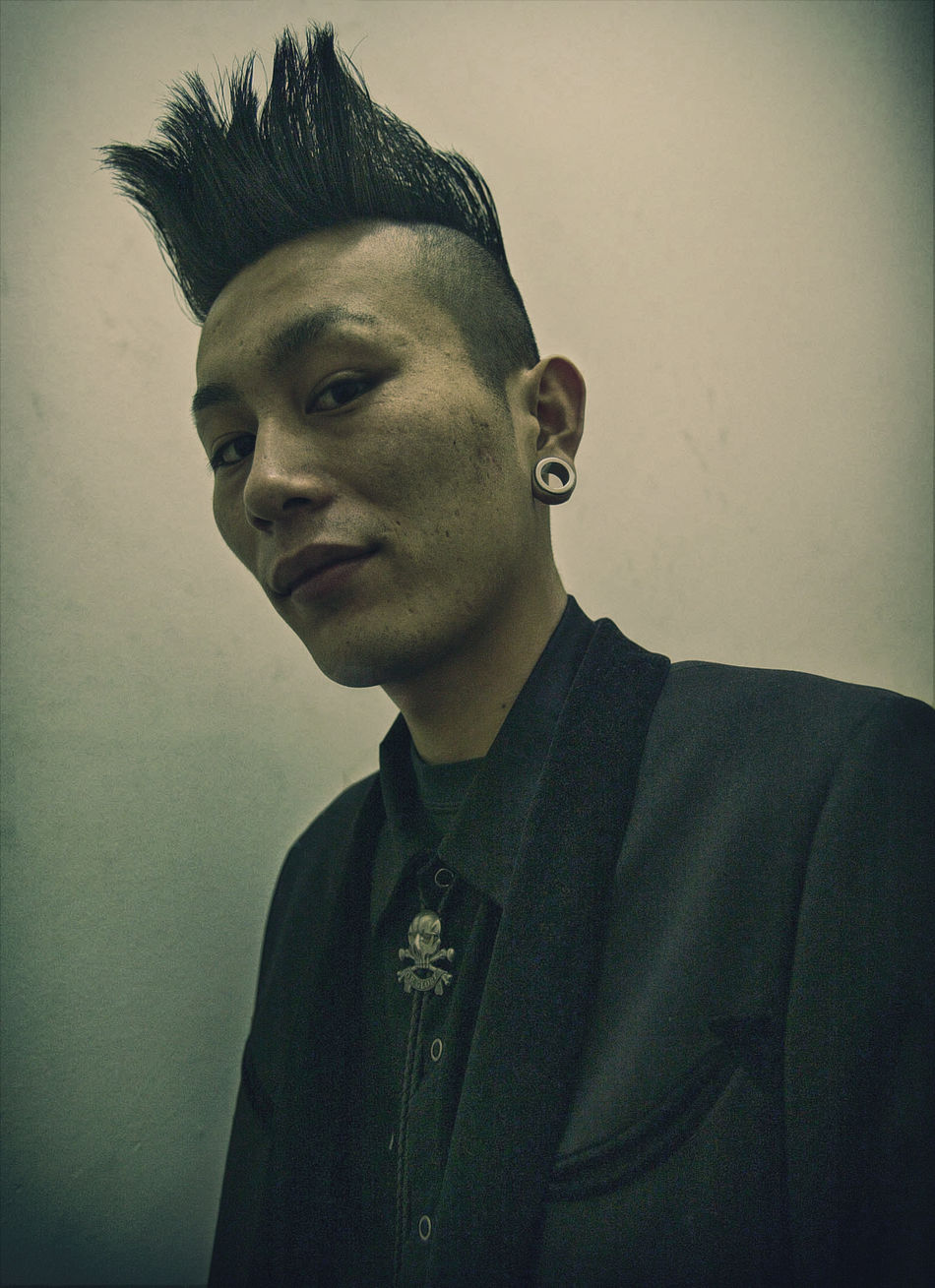 Japanese Rockabilly Confidence  Contemplation Fashion Front View Head And Shoulders Headshot Human Face Lifestyles Looking At Camera Mid Adult Person Photography Taking Photos Reportage Documentary Photography Portrait Portrait Portraits Japanes Man Male Rockabilly Dramatic Look New Style Teddy Boy Urban Street Photography Taking Photos Fotos My Point Of View Postprocessing Real People Serious Smiling Vignette Young Adult Young Men