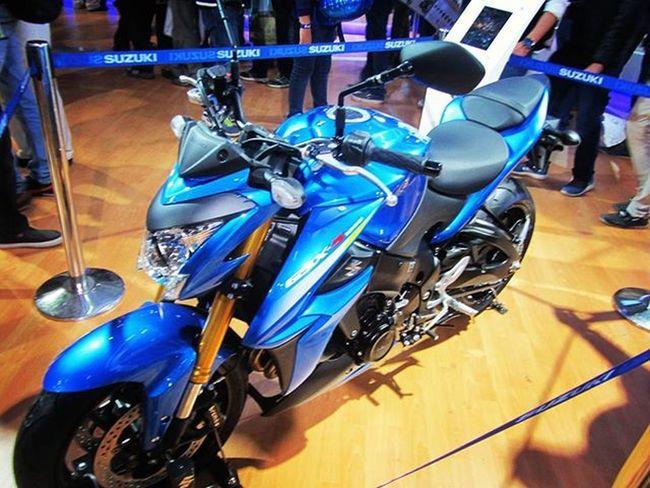Suzuki GSX-S 1000 Suzukigsxs1000 Superbike Indianroads InstaBikes Instapic Performance SpeedKills Speedy Speed Picoftheday Twincylinder Vtwin Photooftheday Oyemyclick Vscogood Vscocam VSCO Vscocamphotos Vscodelhi _soi _soidelhi Beautyinthebeast