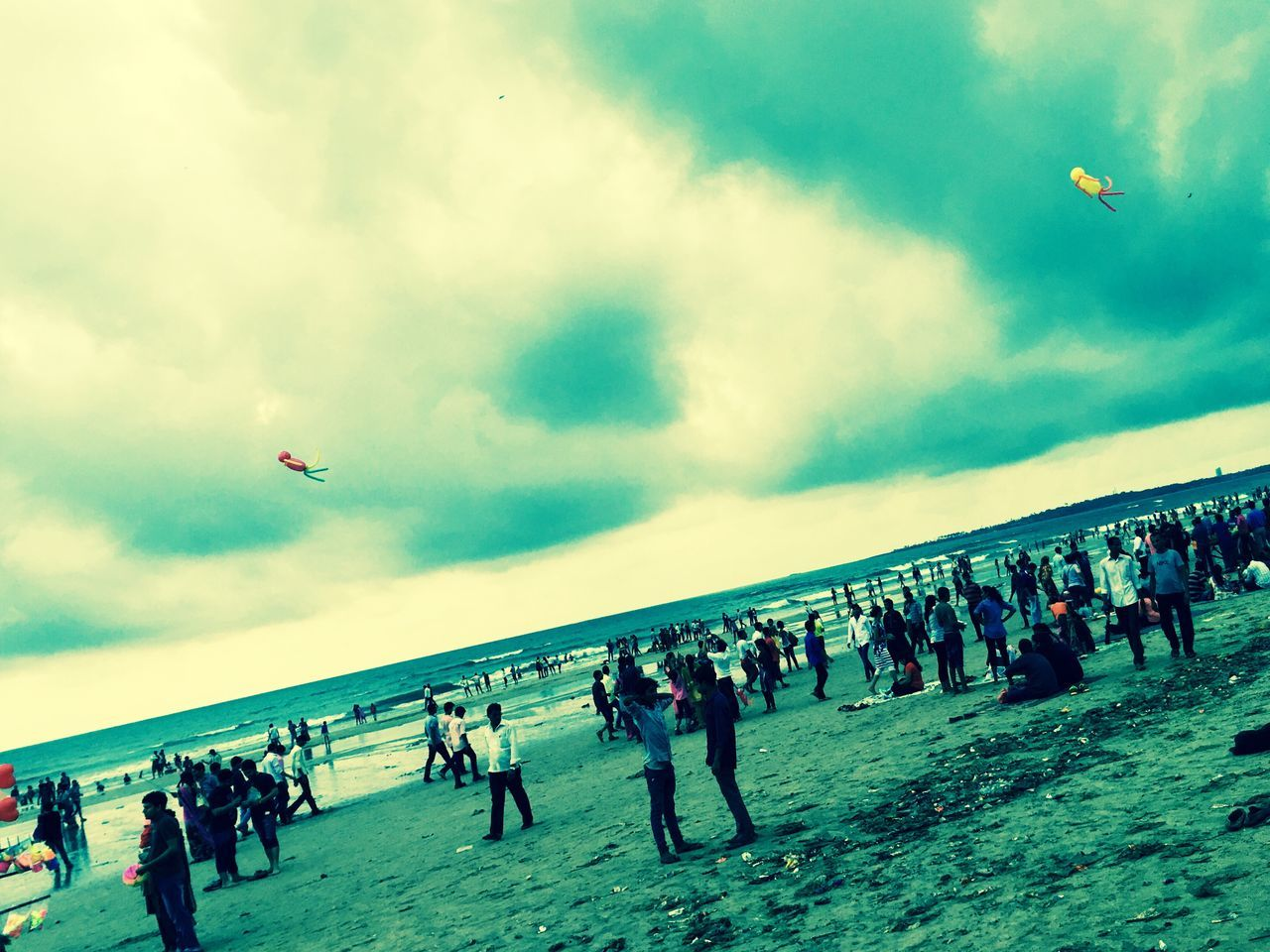 Travel2k16 Travelphotography Monsoonclouds Relaxing Beach Day Juhu MumbaiDiaries Lovingithere First Eyeem Photo