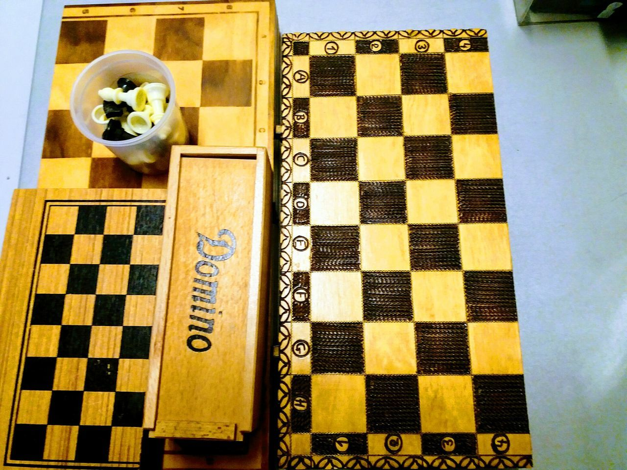 vintage parlourgames Indoors  Pattern No People Chess Board Dominoes Parlourgames Chess Chess Pieces Chessboard Chess Game Chess Set Boardgames Vintage