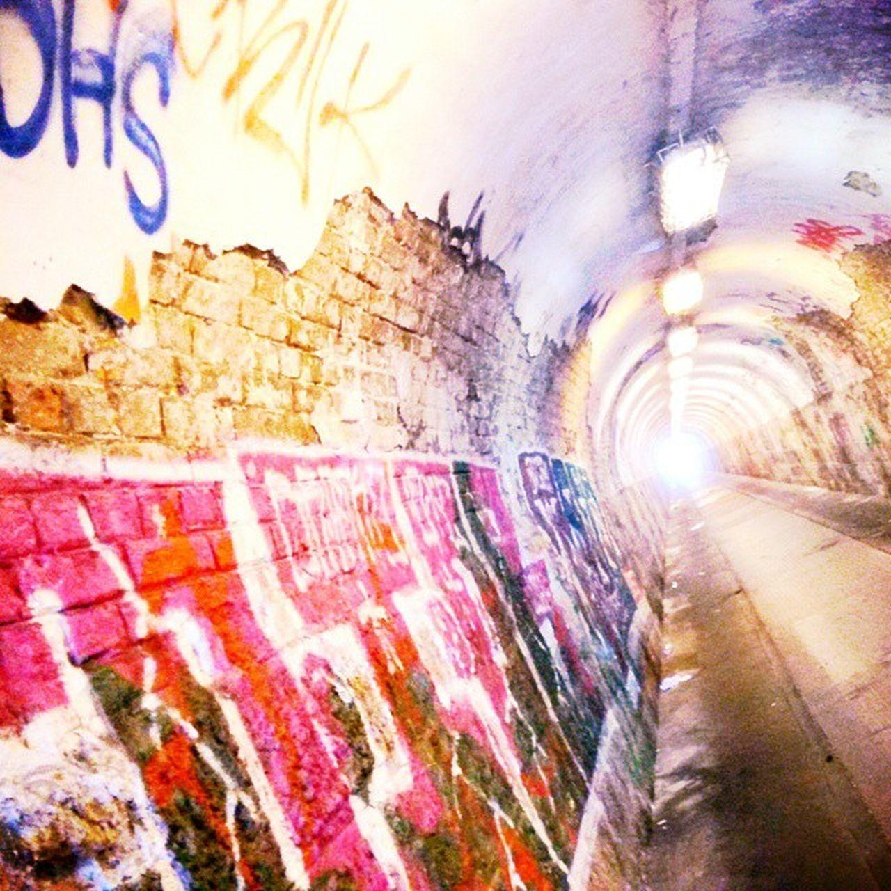 Hat Sich In Budapest Unglaublich  Verlaufen Welcomehome Tourist Travel Citycenter Downtown Graffiti Ruins