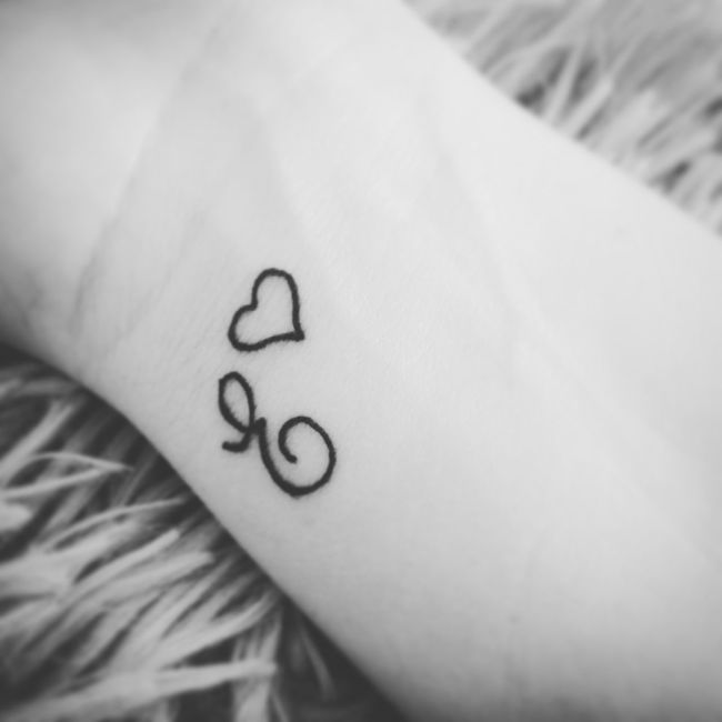 Focus On Foreground E EyeEmTattoo EyeEm First Tattoo Bw Bw_collection Blackandwhite Heart Hearttattoo Initial Skin Feminine