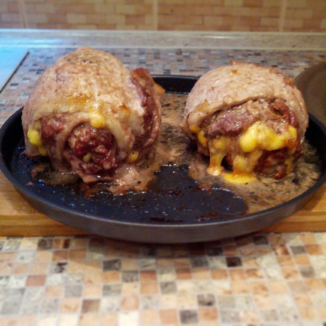 рулеты из свинины и говядины с салом и сыром приготовленные в микроволновке.