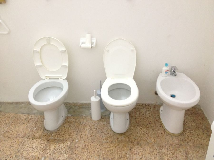Toilet momenta to share City 2.0 - The Future Of The City