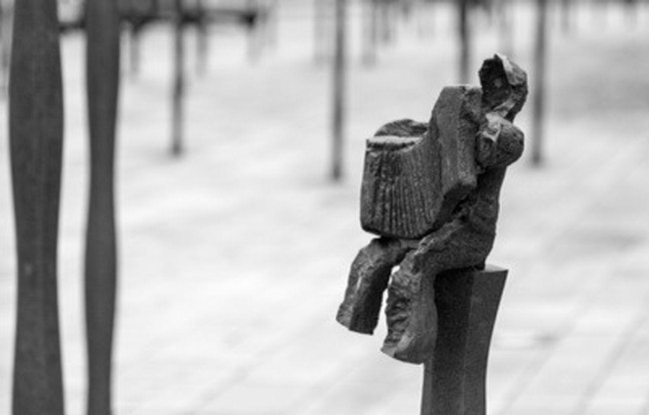 Bretagne Sculpture Art Black And White