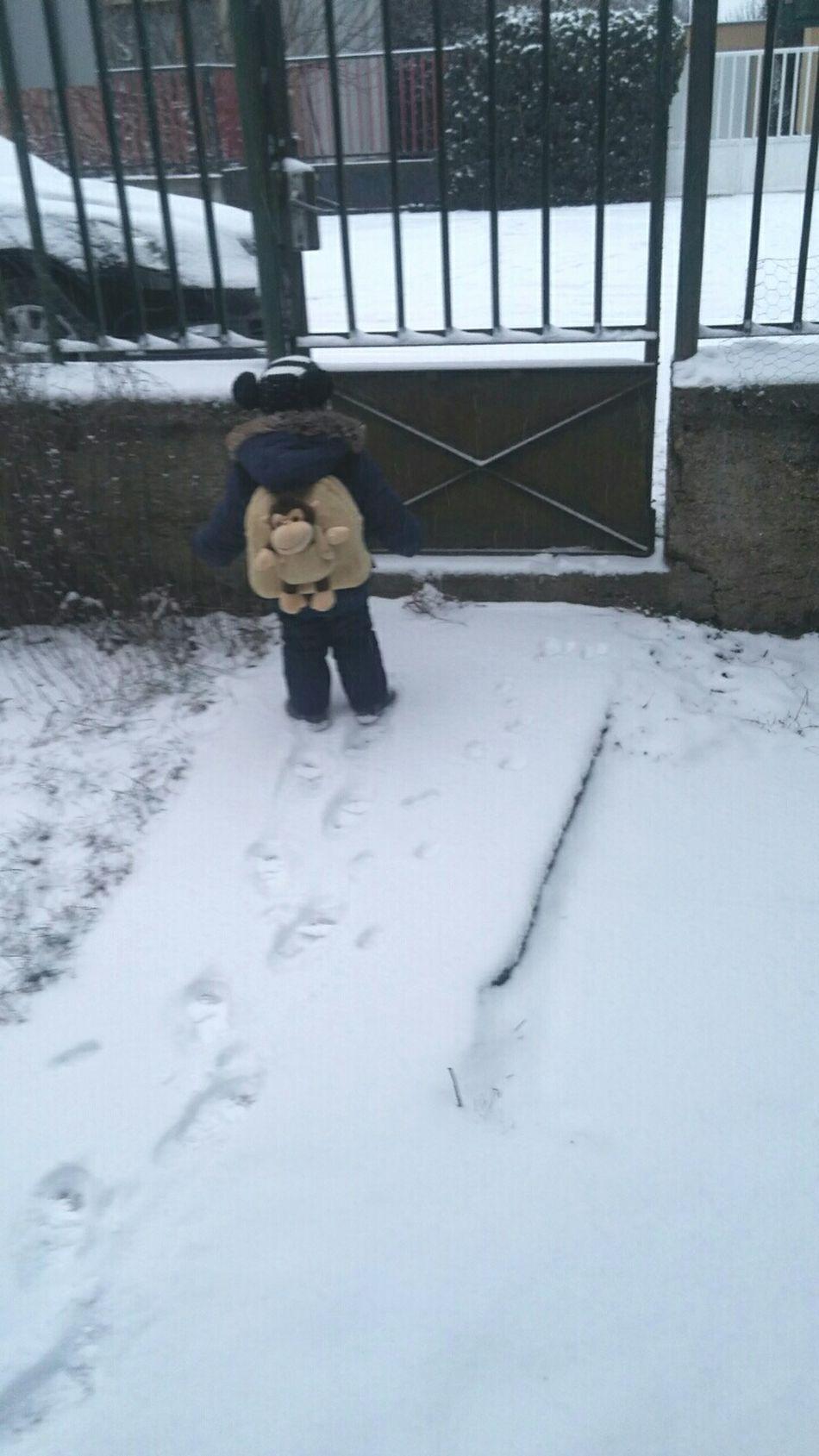 It's Cold Outside Enjoying Life Children Silence Vac Yuhuu
