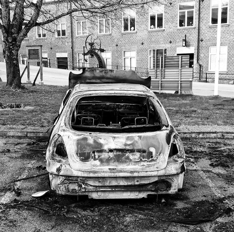 Carwreck Burned Out Burned Out Cars To Late Colors Fire Showcase April Showcase: April Samsungphotography Taking Photos Jonsered